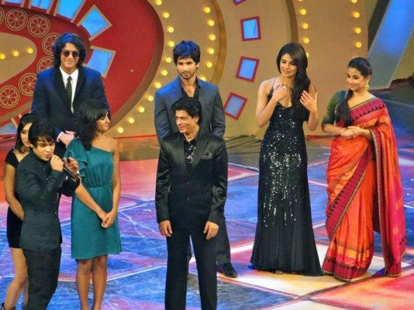 Shah Rukh & Priyanka hosting the Zee Cine Awards 2012, 21 Jan. (3)