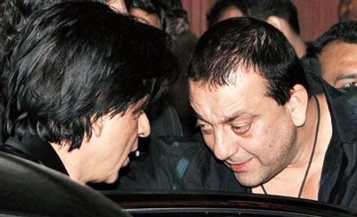 Shah Rukh at Sanjay Dutt's Agneepath Success Party, 29 Jan.
