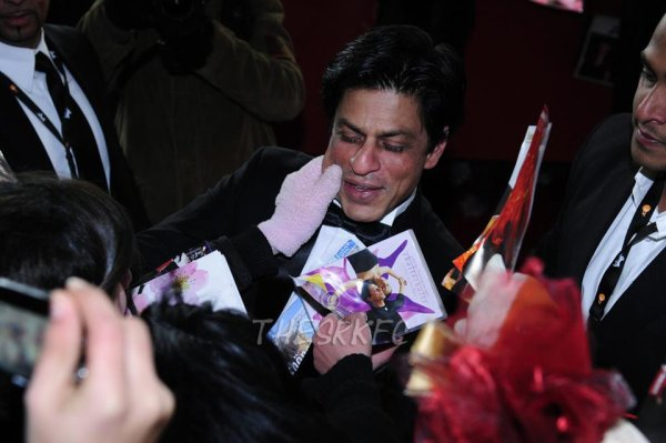 SRK at German Premiere of Don 2 at Berlinale, 11th Feb (2)