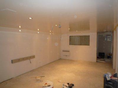 Peinture au plafond blog de creastudiomusic for Installer une applique au plafond