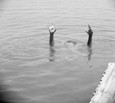 Comme une goutte d'eau danc un lac
