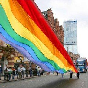 Manchester Le festival de la gay pride maintenu malgrè les troubles