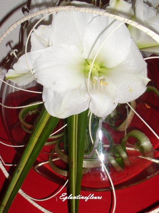 Tourbillon sur vase Toupie...