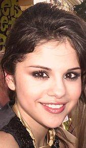 Selena Gomez: 2007-2008 : Percée et débuts dans la musique
