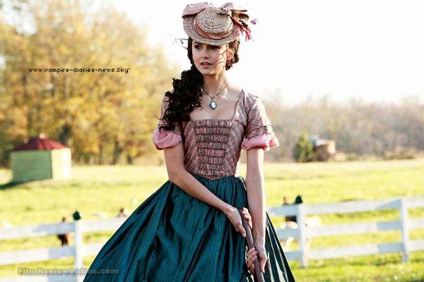 Elena & Katherine vues par Nina Dobrev x) Nina Dobrev a accordé une interview à Fancast, un entretien où l'actrice parle de ses deux personnages et de l'incroyable supposition d'un troisième personnage. Les relations Elena-Damon et Stefan & Katherine sont également évoquées.
