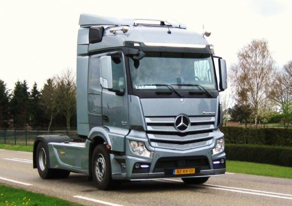 New mercedes actros
