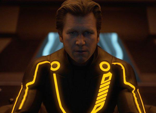 Les costumes de Tron : on t'explique tout !
