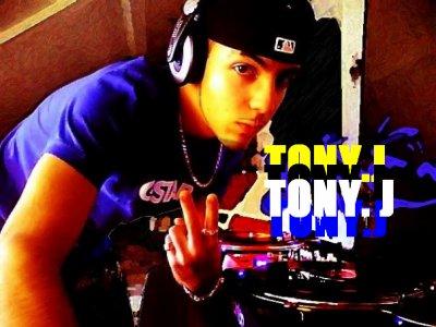 tony.j<<<