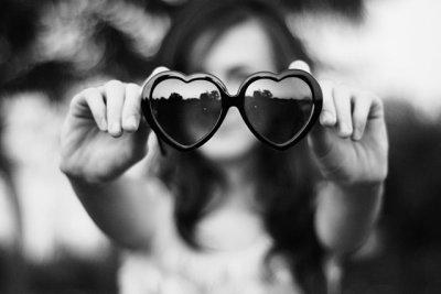 Effleurer le bonheur ne me suiffit plus désormais, maintenant je veux le prendre à pleines mains, le connaitre par coeur et l'apprivoiser.