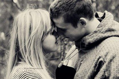 """"""" Tu te souviens pourquoi on est tombé amoureux l'un de l'autre ? Tu te souviens pourquoi c'était si fort entre nous ? Parce que j'étais capable de voir en toi des choses que les autres ignoraient. Et c'était la même chose pour toi. """""""