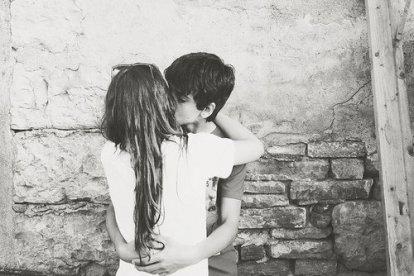 Tomber amoureuse, tomber malheureuse, on ne peut pas tomber un peu, quand on tombe c'est toujours de haut.