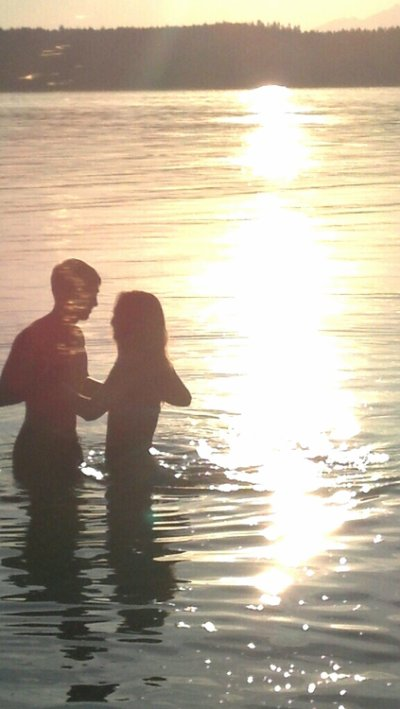 """""""Car si chaque moment qui passe vous rend plus amoureux, il vous rend aussi plus vulnérable."""""""
