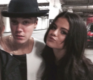 Chapter three : Je me disais aussi '' Justin Bieber, gentil? pouahaha arrête je m'étouffe. ''