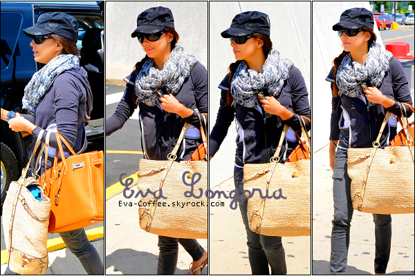 """Eva-Coffee.skyrock.com ########Le 15 Juin 2011Candids: Eva à été apperçue à l'aéroport """"DULLES"""" de Madrid."""
