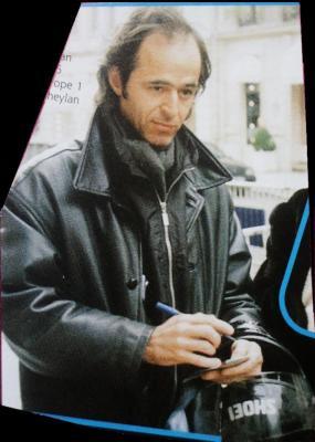 Photo: Jean-Jacques Goldman après une interview (je suppose) à la radio Europe 1