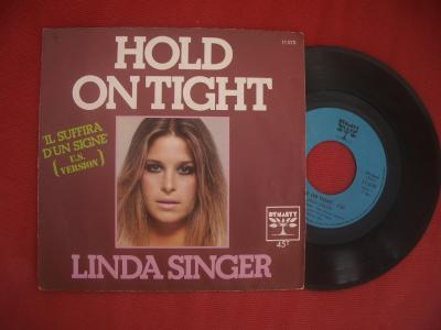 Le 2éme vinyle - Hold on tight par Linda Singer