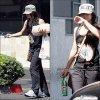 .                                                                                                                                                                             31/08/10 -   Nessa a été vue sortant d'une épicerie de Studio City, après y avoir acheté son déjeuner.                                                                                                           .