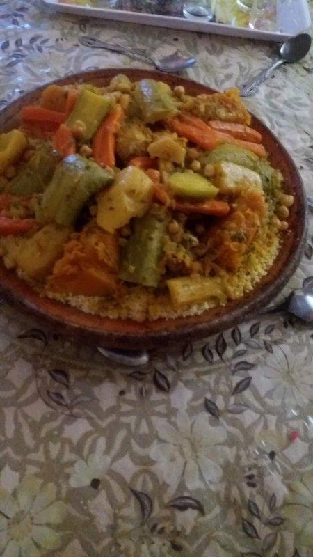 Voilaaa s'qu'on a manger ce soir un bon couscous marocain!! Rien de mieux pour se retrouver en famille ;)