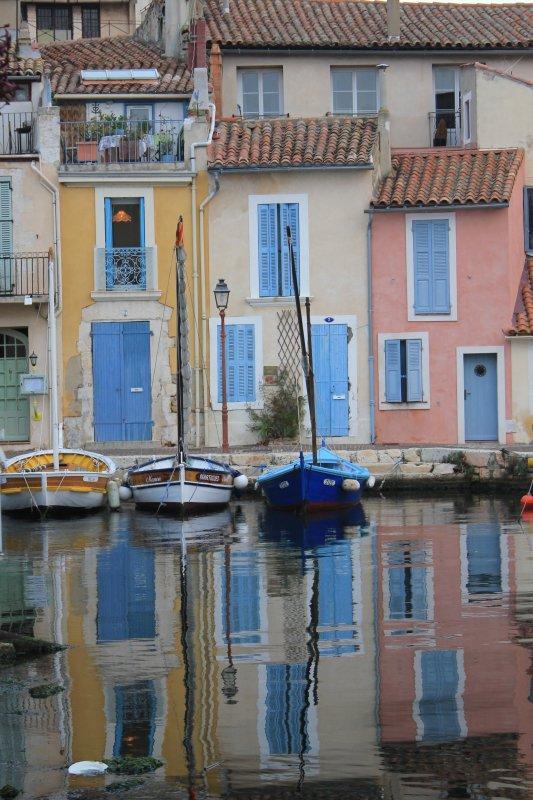 Les bateaux sont assortis aux maisons