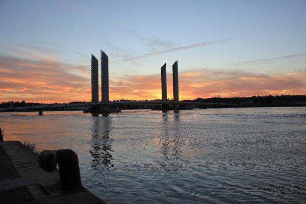 Lever du soleil sur la Garonne