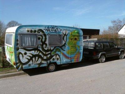 Voici la caravane d'un pote customisé kauprod ;)