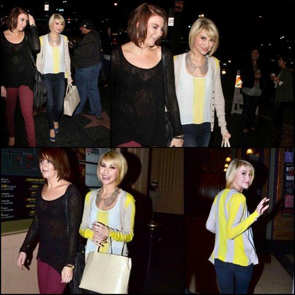 .  30/11/12 :  Chelsea a était vu se rendant au concert des Jonas Brother a L.A  / Je ne suis pas fan de la tenue de Chelsea vos avis ?       .