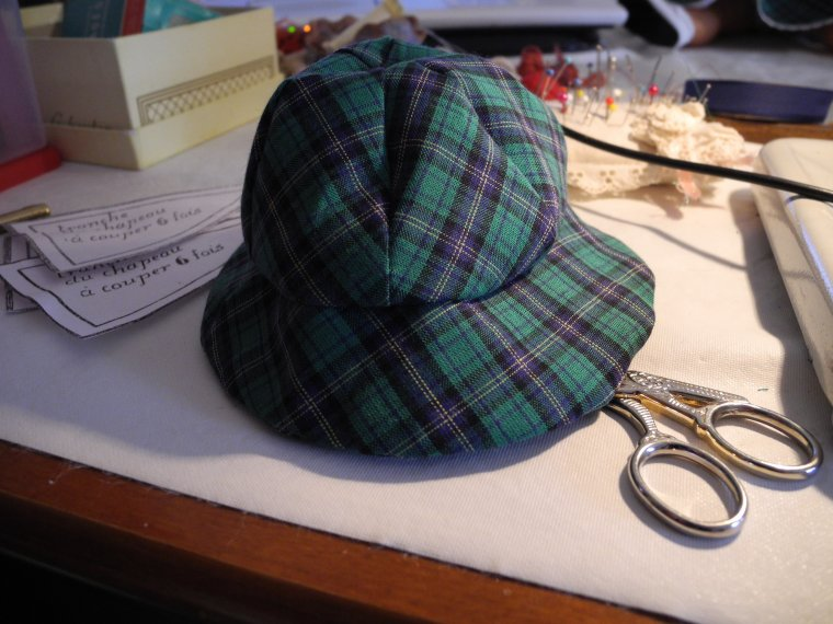 Le chapeau d'avril 54 suite