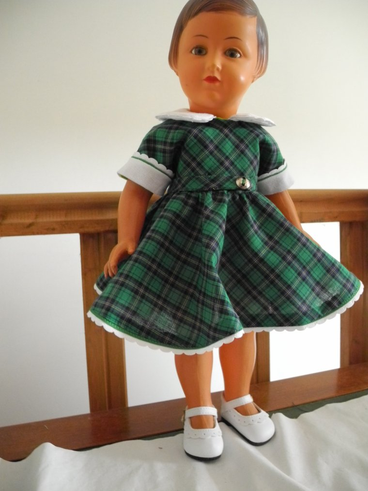La robe d'avril 54 enfin terminée