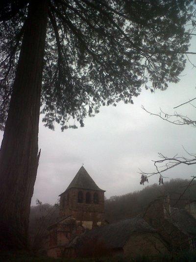 Chapelle romane à Bessuejouls