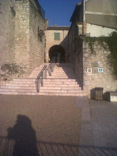 Lauzerte, village (bastide) médiéval perché sur une colline