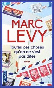 Il suffit souvent d'un rien, d'un objet retrouvé, d'une odeur, pour vous rappeler la mémoire d'un être disparu by Marc Levy