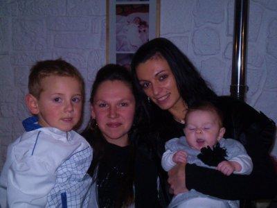 moi ma cousine et mes enfants