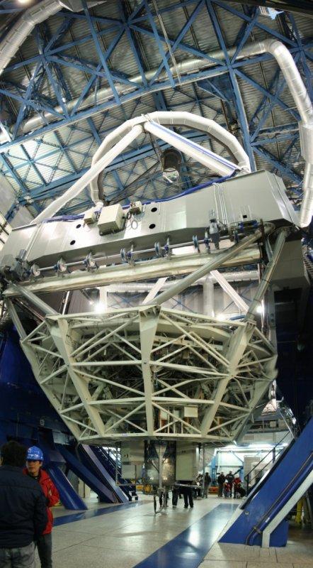 L'Un des 4 télescopes de 8M!!!!!