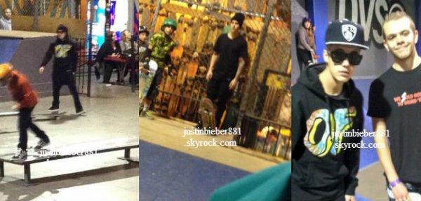 le 12 decembre 2013 -  Justin dans un skate parc à Simi Valley, Californie