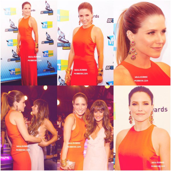 . DO SOMETHING AWARDS → Sophia était présente aux « Do something awards » le 19 aout 2012, elle portait une robe Olcay Gulsen.  .