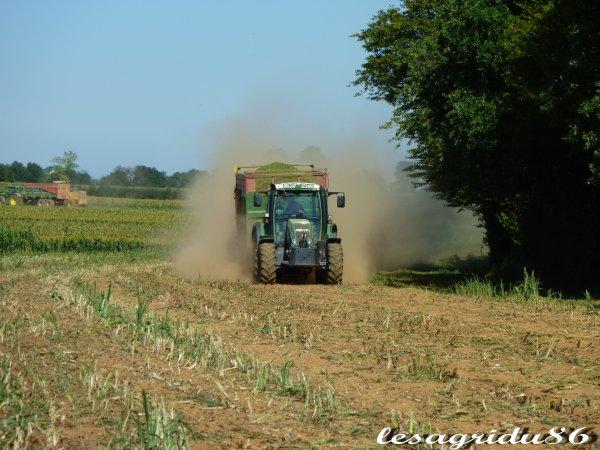 ensilage au lycée agricole de Venours (86)