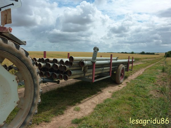 ramassage des tuyaux d'irrigation