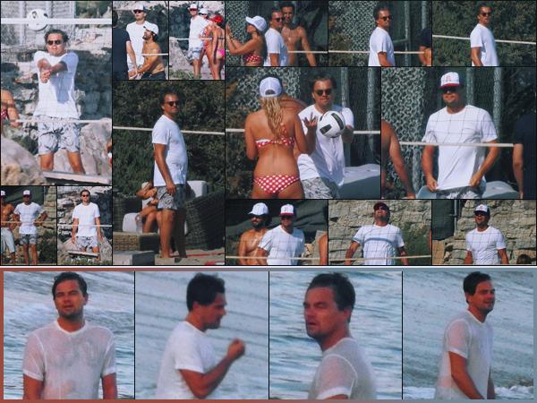 -• 19/08/2018- ─ Leonardo Dicaprio à été photographié, sur la plage de Malibu en train de jouer au volley ball. Californie !Après plusieurs jours sans aucune nouvelle de Leonardo c'est à Malibu que les paparazzis ont vus Leo. Au niveau de la tenue c'est un petit top pour moi.