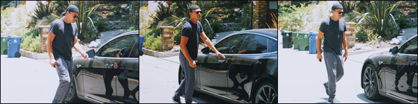 -• 28/08/2018- ─ Le beau Leonardo Dicaprio à été photographié, en train de se balader dans les rues de Los Angeles seul !Seulement trois photos lors de cette sortie, vraiment dommage ... Concernant la tenue de l'acteur américain c'est pour ma part un - petit top bien mérité.