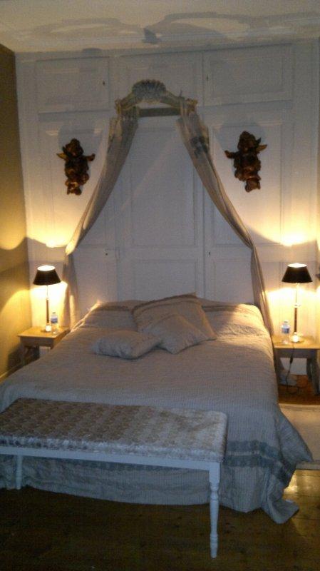 Notre nuit de noce dans une tr s belle chambre romantique for Chambre de nuit de noce