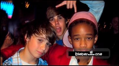 Dimanche 5 Septembre... Justin a dépassé le cap des 5.000 000 de followers sur son Twitter il y a de cela quelques heures ! Voici ce qu'il dit :5 MILLIONS et qui augmente! Les meilleurs fans du monde! Thank U! Ensemble, nous sommes juste entrain de commencer. ...