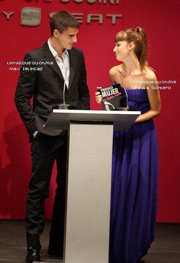 _   EVENTS 05/10Ursula (Ruth) et Maxi (César) étaient  a la cérémonie ''de los Premios Cosmopolitan'' là ou Maxi  a reçu une récompense du meilleure acteurs de TV.  _