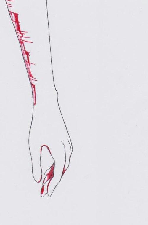 Ses mains tremblées, ses larmes coulées. Saisissant la lame, elle transperça son poignet avec haine et force, ses veines bleues n'étaient plus visible seule la couleur rouge transpercées sa vision. Le sang coula et se glissa sur son bras. Elle était accro, c'était sa dose, son soulagement. Ses yeux étaient humide et flou elle se jeta à terre et hurla sa souffrance. Elle était affaiblie et n'avait plus aucun but de se relever. Elle décida d'en finir. Elle quitta ce corps pour ne retrouver que les étoiles qu'elle admirées tant.
