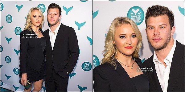 20 avril 2015 : Emily & son petit ami Jimmy Tatro se sont rendu aux Shorty Awards à New York  ●● Ils étaient mignons. Em' était toute belle dans sa robe noir. + vous pouvez voir une interview du couplesur le tapis rouge