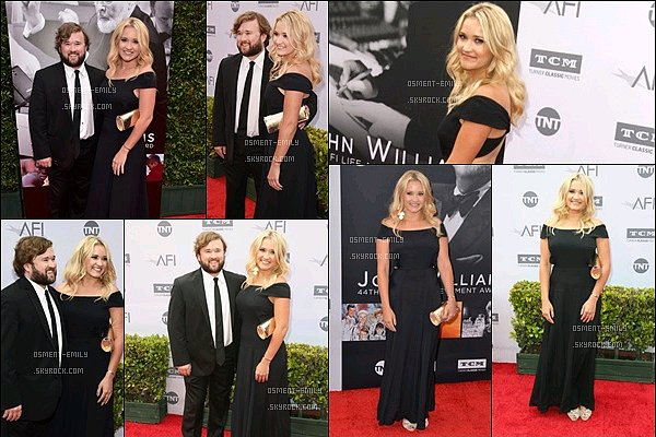9 Juin 2016 : Emily et son frère étaient à l'événement AFI Life Achievement Award : A Tribute To John Williams ●● Emily et Hayley étaient tout beaux, ça fait plaisir de voir le frère et la soeur aussi proches. Em' est superbe dans cette robe noire !