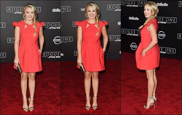 10 décembre 2016 : La ravissante Emily Osment était présente 'Rogue One: A Star Wars Story' à Los Angeles ●● Emily était sublime ! J'ai un gros coup de coeur pour sa robe et sa découpe, elle est parfaite pour elle, plus sa coiffure au TOP♥