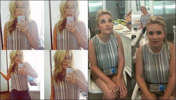 24 mai 2017 : Emily et Mallory Jansen ont passé la journée ensemble et on fait un petit photoshoot à LA ●● Elles sont superbes toutes les deux ! J'aime bien la tenue d'Emily surtout sa jupe, elle était toute jolie ! Qu'en pensez-vous ?