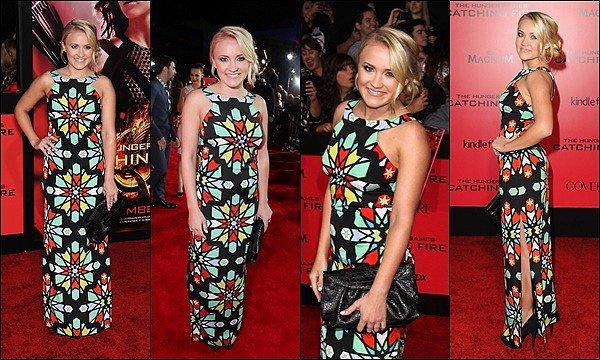 18 novembre 2013 : Emily était à la première du filmThe Hunger Games Catching Fire àLos Angeles ●● Em' était toute jolie ! J'aime beaucoup son chignon ainsi que son maquillage, la robe est plutôt originale, vos avis ? :)
