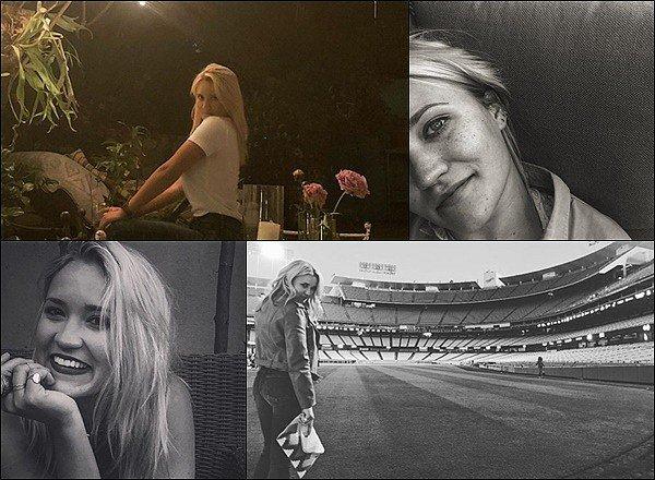 JUIN 2018▬ Emily a posté de nouvelles photos sur les réseaux sociaux, elle est tellement jolie♥ ●● J'aime énormément les photos en noir et blanc, Mlle Osment est vraiment adorable avec ses tâches de rousseur & son joli sourire :)