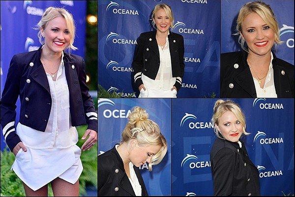 18 août 2013 : Emily était présente à laOceana's Annual SeaChange Summer Party in Laguna Beach ●●Emily est superbe ! J'aime beaucoup cette tenue, sa coiffure est simple et jolie, tout comme son maquillage :)